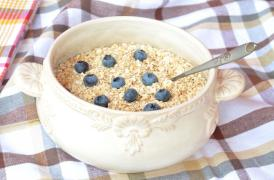[Oats and blueberries]