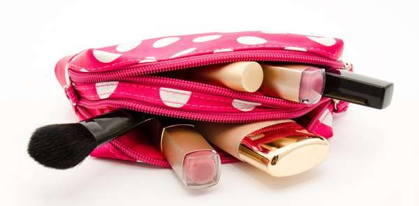 Spring cleaning: your makeup bag photo